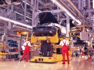 aumentan la produccion de vehiculos