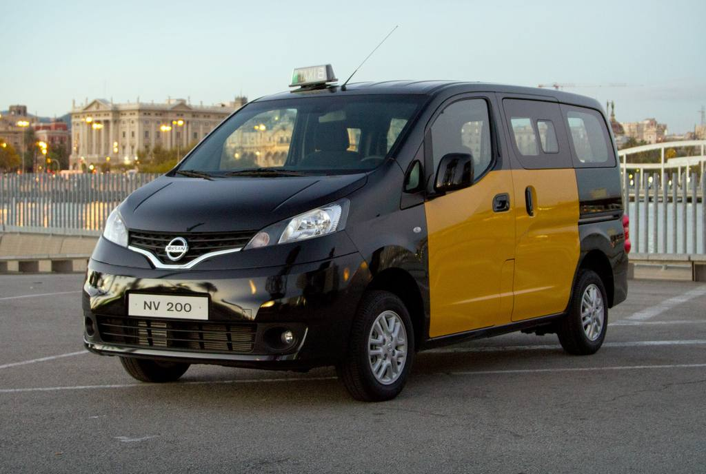 nissan-nv200-ev-taxi-barcelona-rent-a-car-sevilla